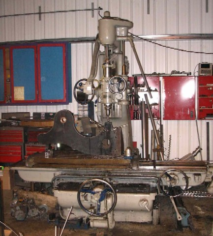 Jon's Holmgren's Pratt & Whitney 3B jig boring machine drilling the tool mount ■